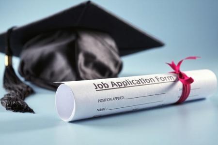 Graduation looming? Better start job hunting!